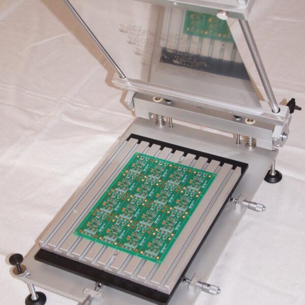 Low cost stencil printer